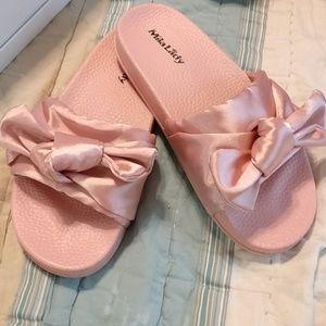 Mila lady pink satin slide sandals NIB
